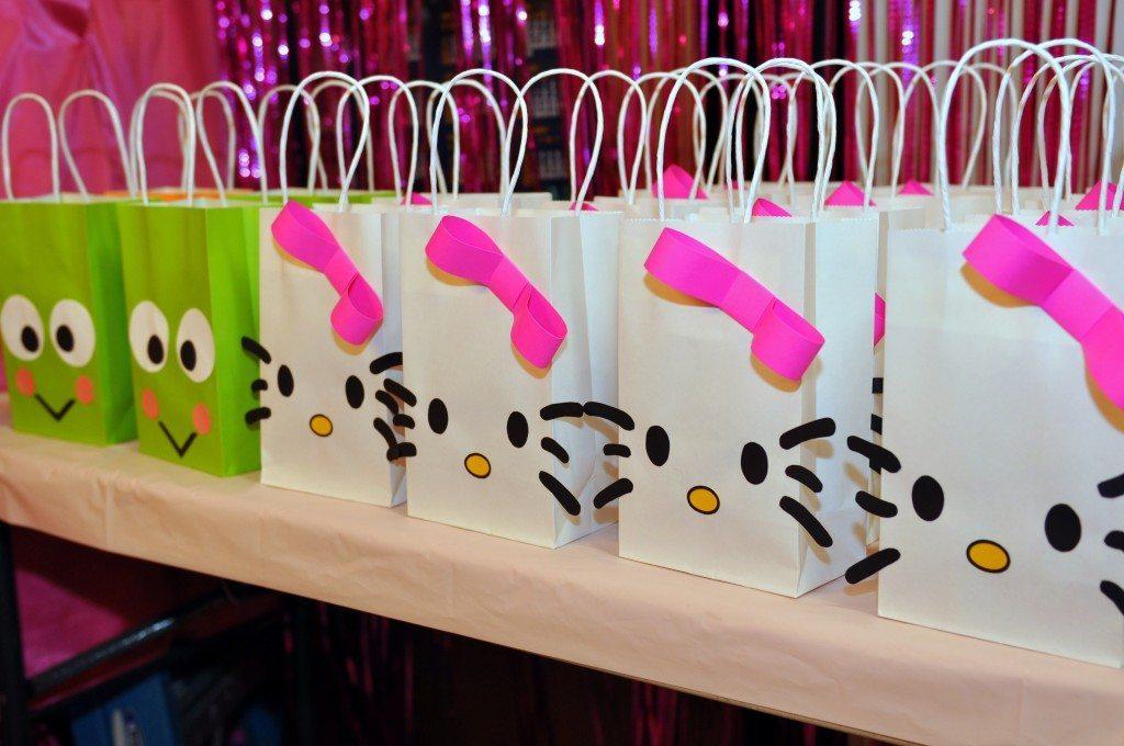 Hello Kitty Themed Party (8)