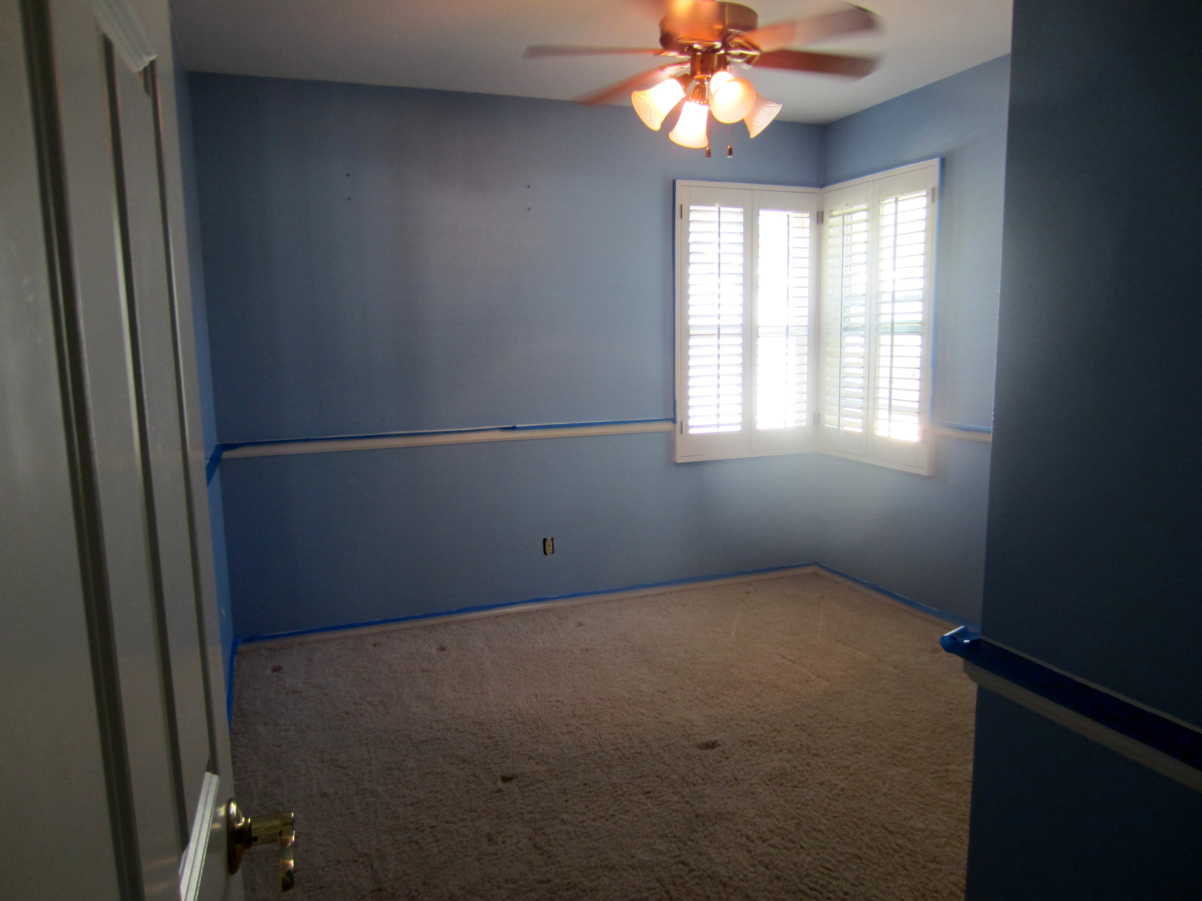 Travel Inspired Guest Room: Guest Room Paint Makeover