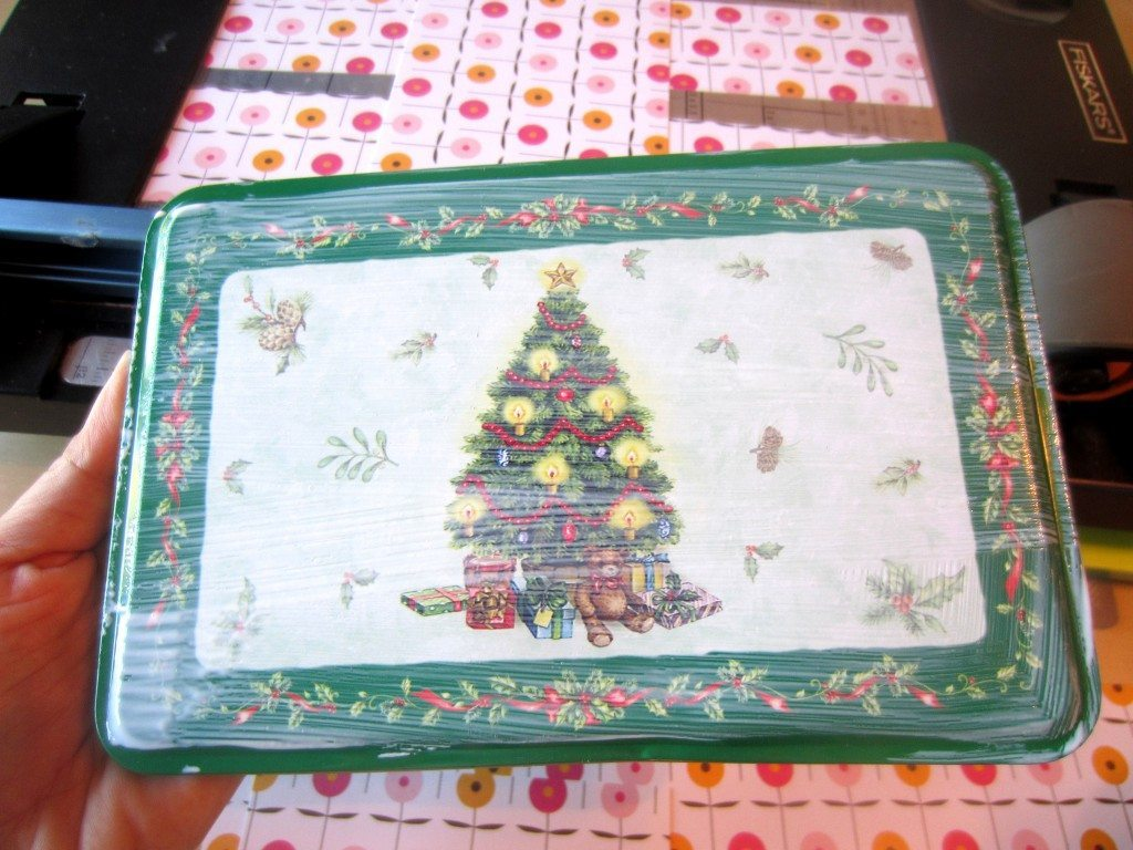 Recycled Christmas Cookie Tin (3)