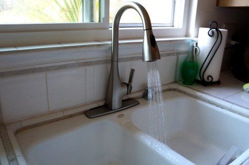 How to Install a Kitchen Faucet (3)