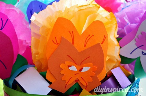 alice-in-wonderland-paper-flowers (3) (560x372)