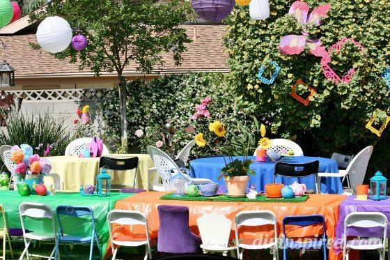 Alice-in-wonderland-first-birthday-party (17)
