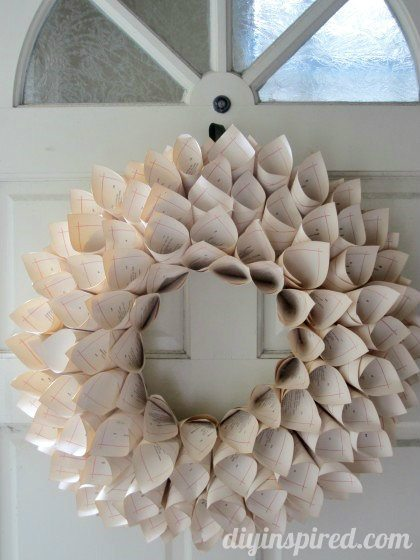 recycled-book-page-wreath-tutorial (1)