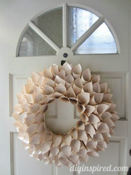 recycled-book-page-wreath