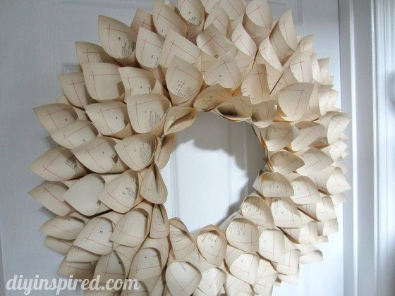 recycled-book-page-wreath-tutorial