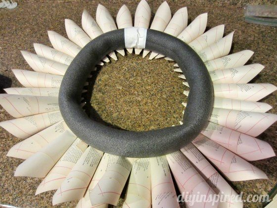 recycled-book-page-wreath-tutorial (7)