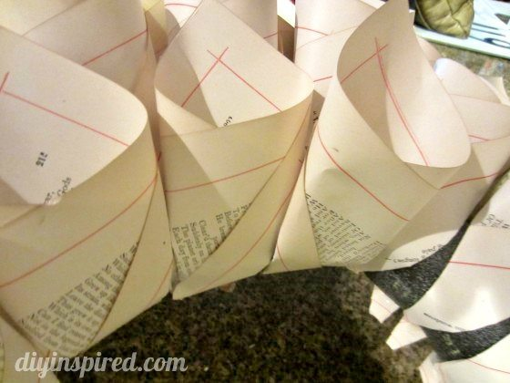 recycled-book-page-wreath-tutorial (8)