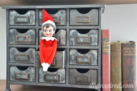 easy-elf-on-a-shelf-ideas (4)