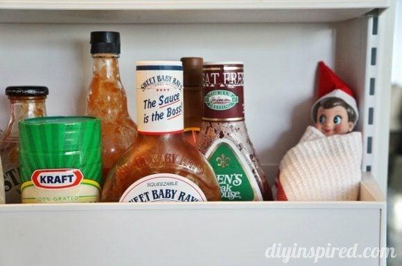 easy-elf-on-a-shelf-ideas (8)