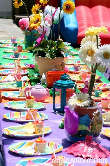 Alice-in-wonderland-first-birthday-party
