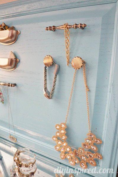 repurposed-cabinet-door-jewelry-organizer (3)