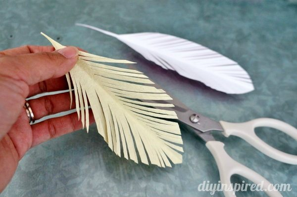 how-to-make-a-paper-feather (4)