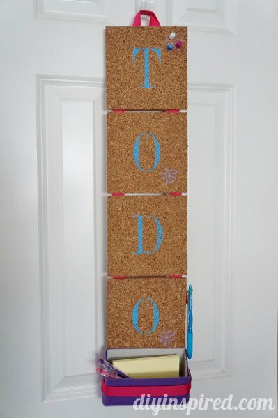 stenciled-cork-organization-board (10)