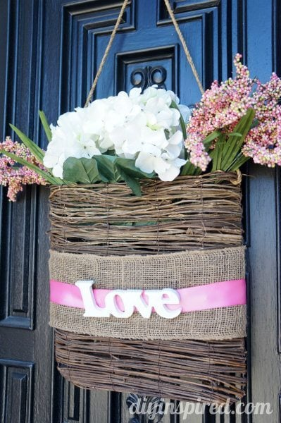 Easy Valentine Front Door Decoration