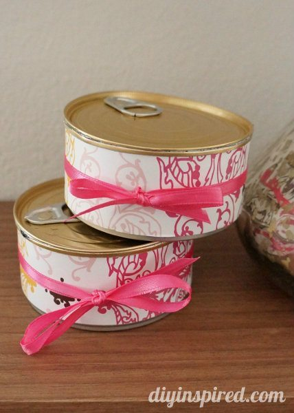 Recycled Gift Wrapping Idea: Pop Top Cans