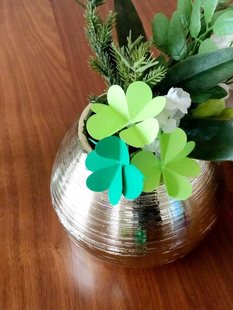 Easy Four Leaf Clover Paper Craft