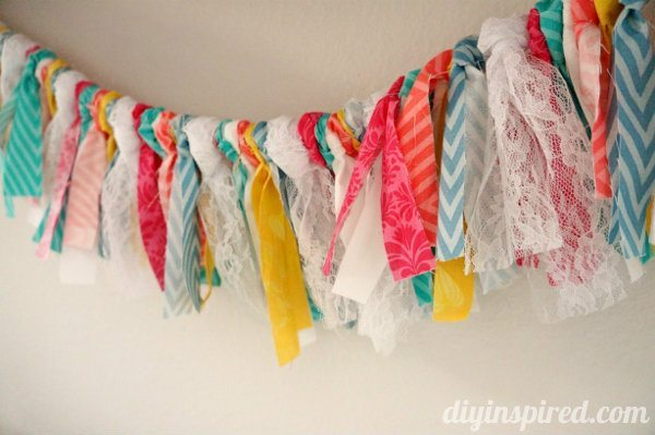 fabric-and-lace-shabby-bunting (3)