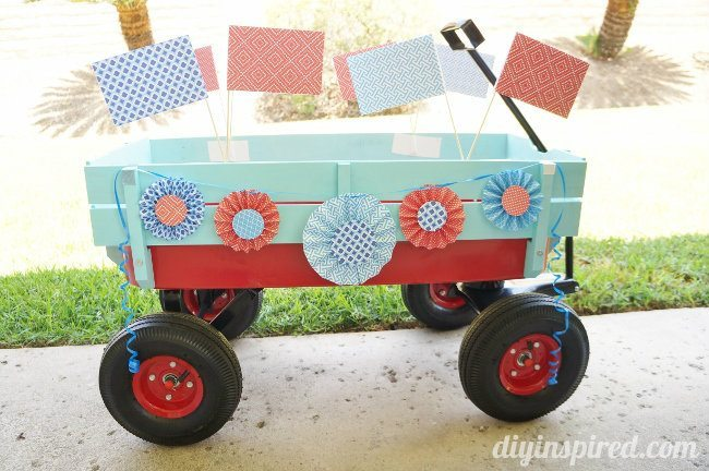 Fourth of July Parade Wagon and Paper Crafts