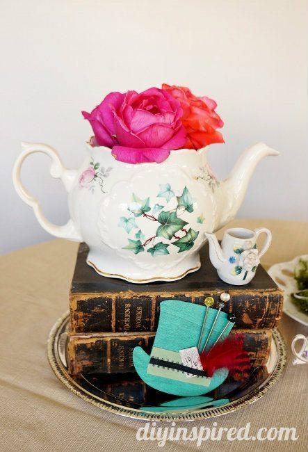 Vintage Mad Hatter Tea Party Tea Pots (3)