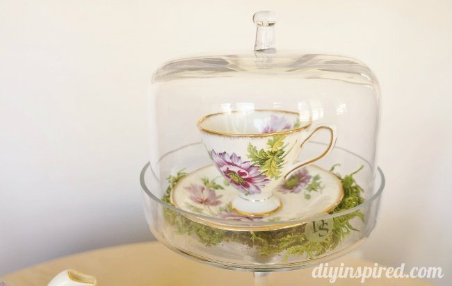 Vintage Mad Hatter Tea Party Teacups (1)