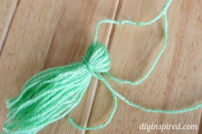 DIY Yarn Tassels (3)