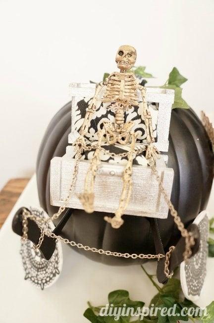 DIY Coachman Seat for #TrickYourPumpkin