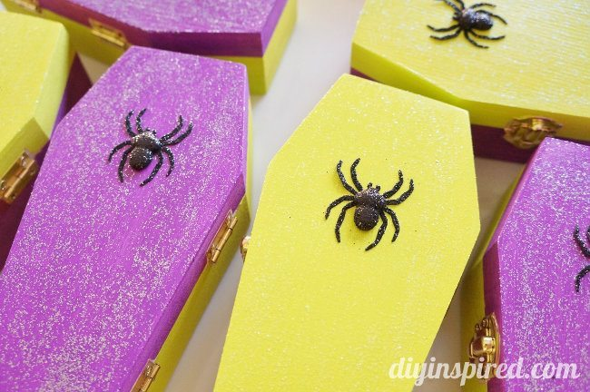 Glittered Coffin Halloween Party Favors (3)