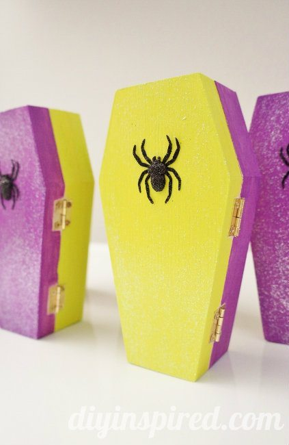 Glittered Coffin Halloween Party Favors (5)