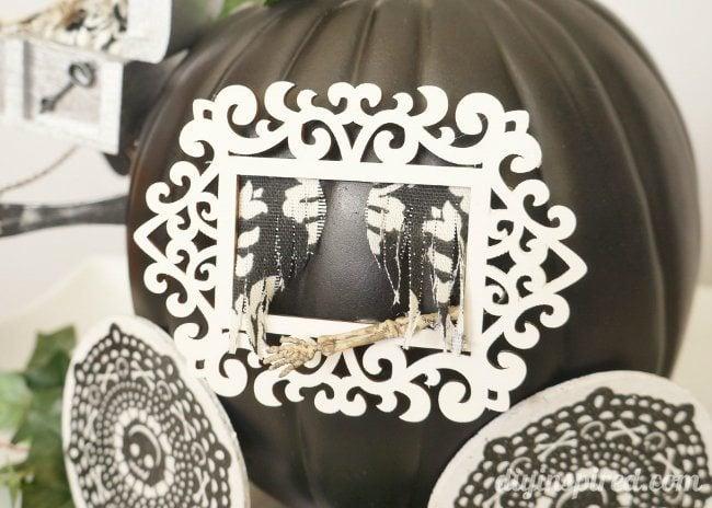 Pumpkin Stagecoach Window #TrickYourPumpkin
