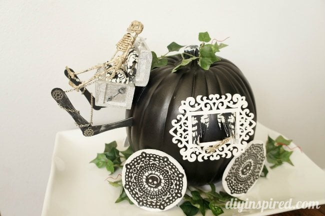 Spooky Stage Coach Pumpkin #TrickYourPumpkin