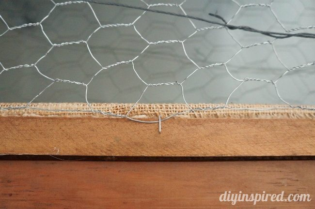 DIY Christmas Card Display with Chicken Wire