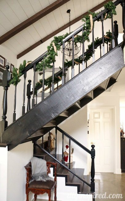 DIY Inspired Christmas Home Tour Staircase (2)
