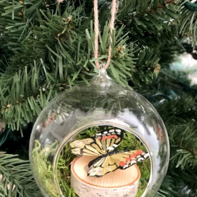 DIY Rustic Ornaments with Wood Slices