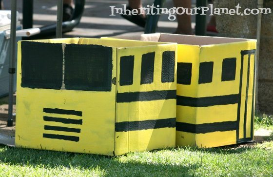 recycled-cardboard-box-bus