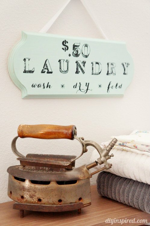 DIY Stenciled Laundry Room Sign