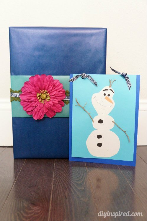 Frozen Gift Wrapping with Olaf Card