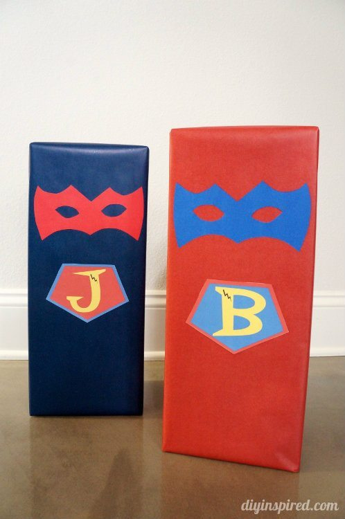 Superhero Gift Wrapping (1)