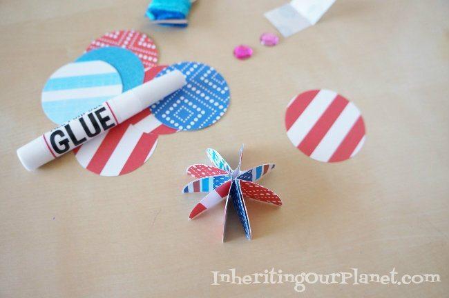 Fire-Cracker-Paper-Necklace-Craft-1