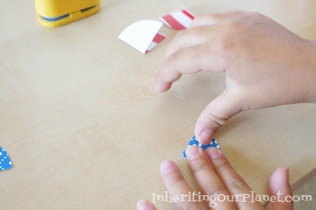 Fire-Cracker-Paper-Necklace-Kids-Craft