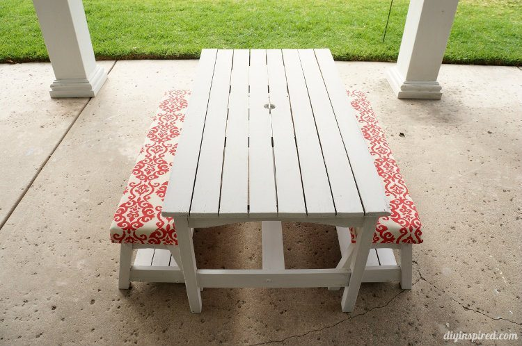 Kid's Picnic Table Makeover
