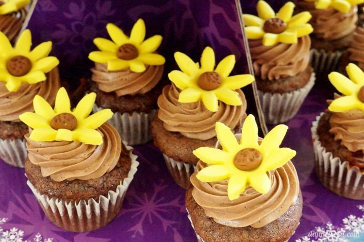 Frozen Fever Cupcakes with Sunflowers