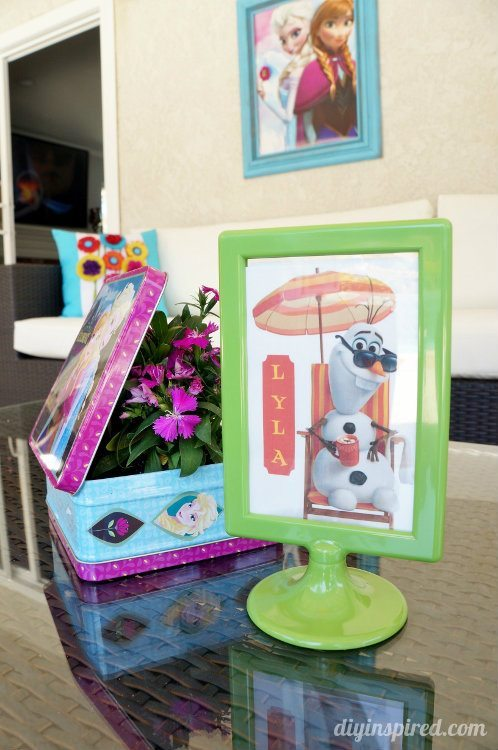 Frozen Fever Party Flowers with Olaf