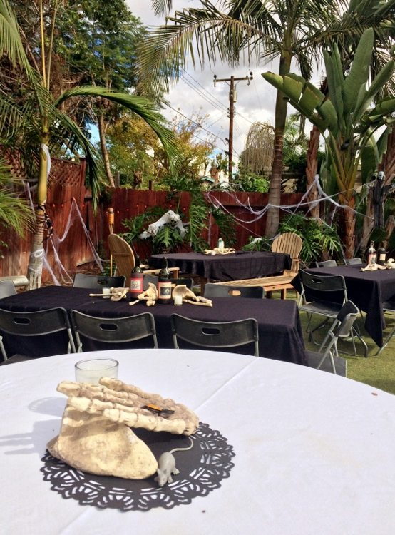Bone Halloween Party Centerpieces