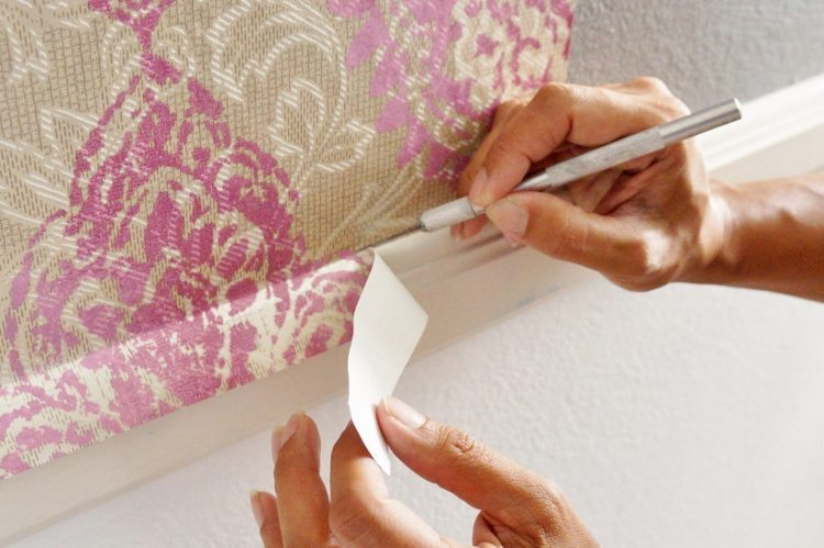 How to Trim Wallpaper