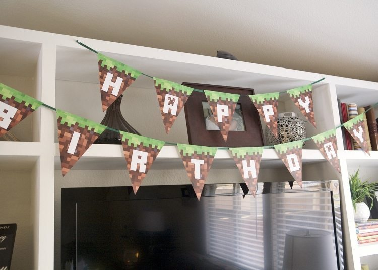 Minecraft Party Birthday Banner