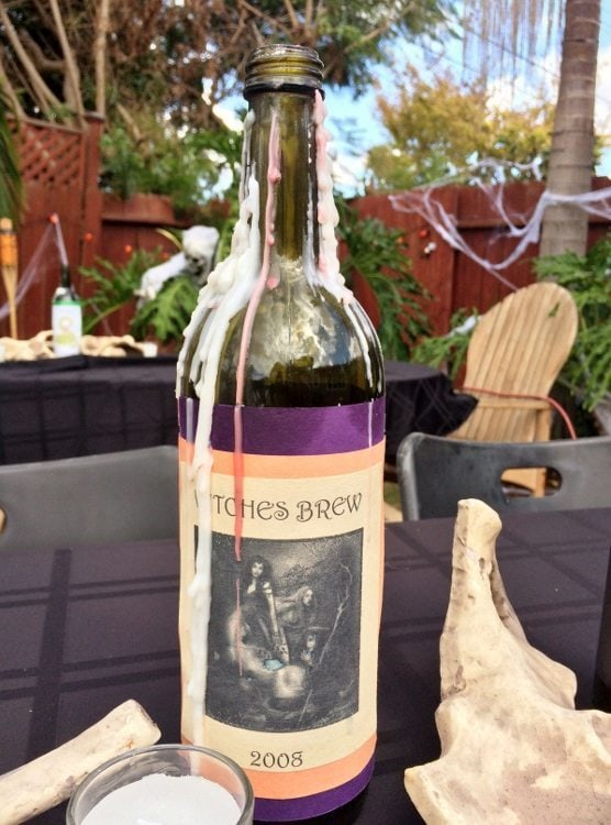 Wine Bottle Halloween Decorating Idea (2)