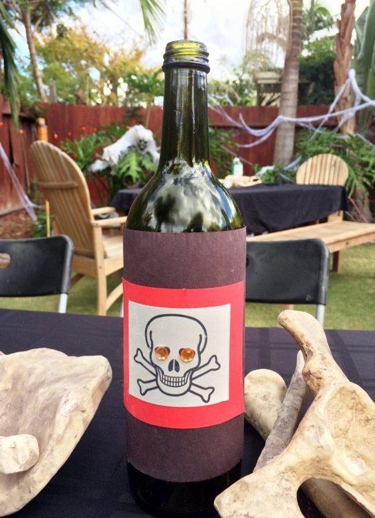 Wine Bottle Halloween Decorating Idea