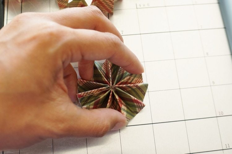 DIY Paper Christmas Ornaments Tutorial