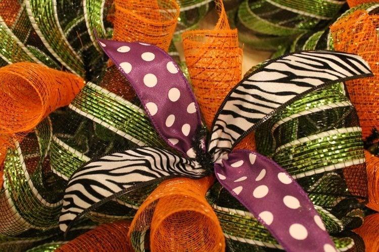 Festive Halloween Mesh Wreath Tutorial 11