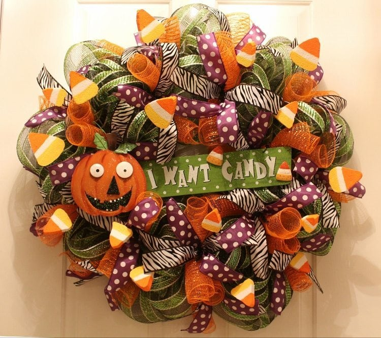 Festive Halloween Mesh Wreath Tutorial